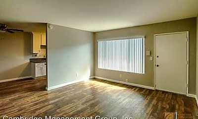 Living Room, 4763 33rd St, 1