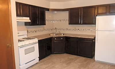 Kitchen, N114W15518 Sylvan Cir, 1
