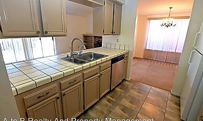 Kitchen, 45549 Cherokee Ln, 1
