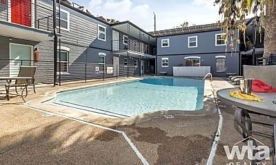 Pool, 206 W 38Th St, 2