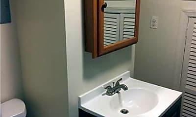 Bathroom, 128 Stuyvesant Ave, 1