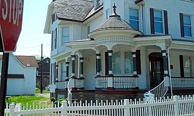 Building, 53 Wilson Avenue, 1