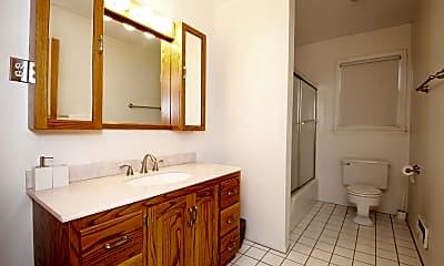 Bathroom, 508 Crescent Pkwy, 2