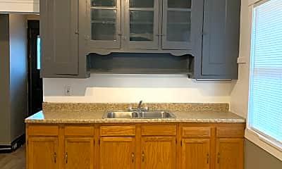 Kitchen, 3273 E 116th St, 0