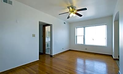6306 S Artesian Avenue, 1