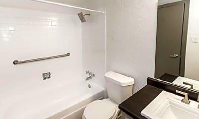 Bathroom, 816 Oxford Ln, 1