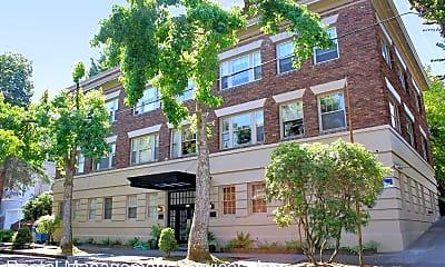 Building, 1928 SW Laurel St, 0