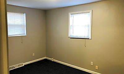 Bedroom, 4218 Beachwood Ave, 2