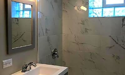 Bathroom, 3258 N Leclaire Ave, 1