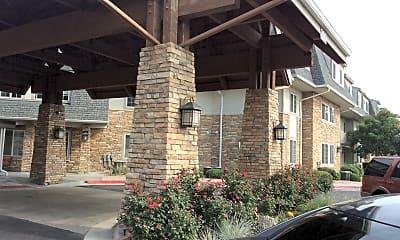 Pinewood Lodge, 2
