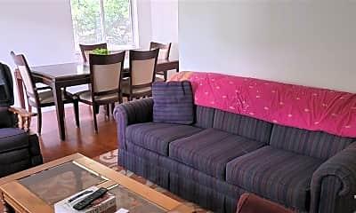 Living Room, 213 N Graham St, 2
