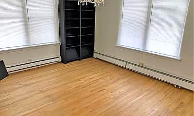 Bedroom, 615 S Center St, 1