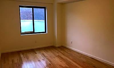 Bedroom, 135-17 Northern Blvd 7C, 2