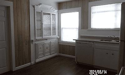 Living Room, 3911 Castro Valley Blvd, 1