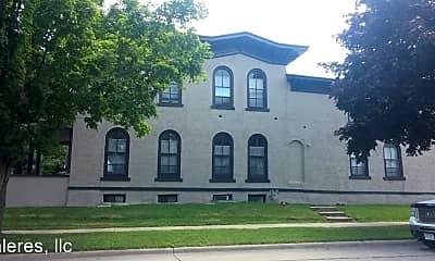 Building, 300 1st St SE, 1