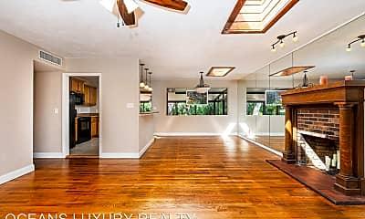 Living Room, 470 N Beach St, 1