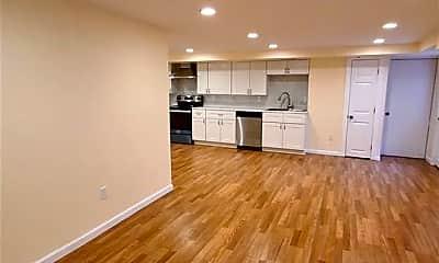 Living Room, 54 Shady Ln, 2