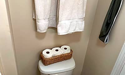 Bathroom, 304 S Graham St, 2