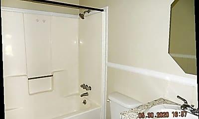 Bathroom, 507 Fitzhugh St, 2