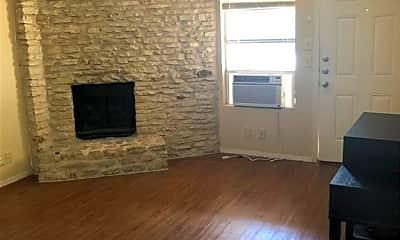 Living Room, 300 Algerita Dr D, 1