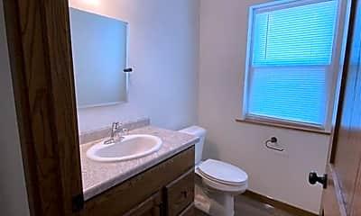 Bathroom, 2303 Main St, 2