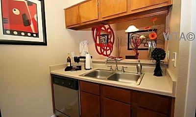 Kitchen, 1003 Justin Lane, 1