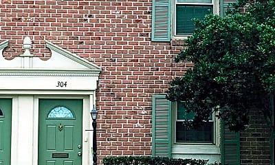 Building, 304 Georgetown Dr, 1