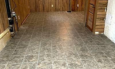 Patio / Deck, 710 6th Ave S, 2