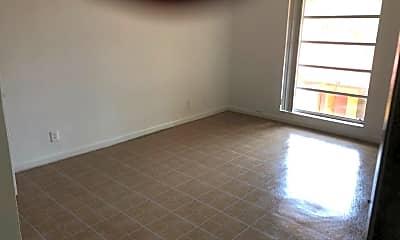 Living Room, 4003 N University Dr, 2