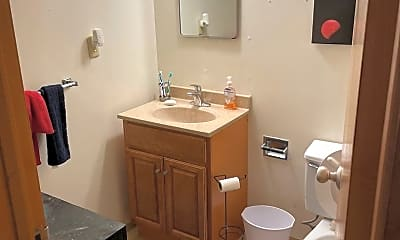 Bathroom, 910 4th St, 2