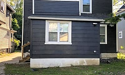 Building, 1393 E 109th St, 1