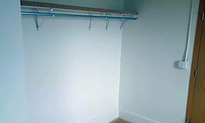 Storage Room, Hibernia House EVERYTHING INCLUDED, 2