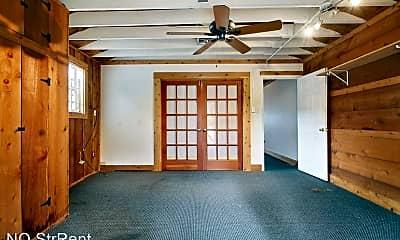 Living Room, 7808 Maple St, 1