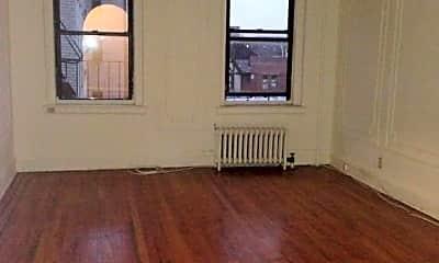 Living Room, 43-09 40th St, 2