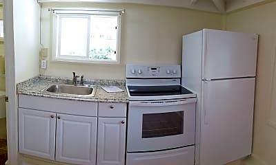 Kitchen, 3558 Woodlawn Dr, 2