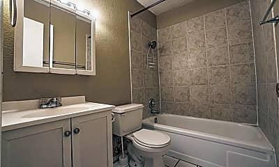 Bathroom, 1040 W Hendrix St, 2
