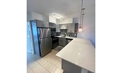 Kitchen, 2817 NE 32nd St, 0