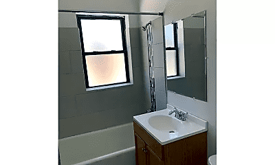 Bathroom, 7005 S Michigan Ave, 2