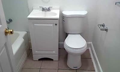 Bathroom, 400 Church St 9, 2