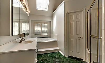 Bathroom, 7412 NW 131st St, 2