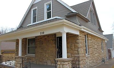 Building, 250 N Thorpe St, 1