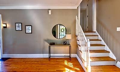Living Room, 600 Giddings Ave SE, 2