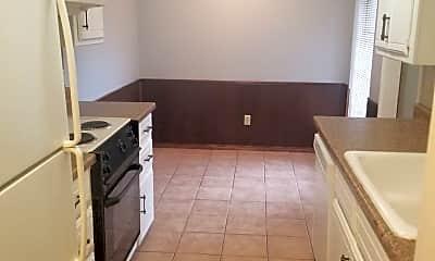 Kitchen, 904 Delmar Cir, 1