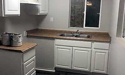 Kitchen, 211 N Mayflower St, 2