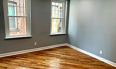 Living Room, 61 Washington St 8, 1