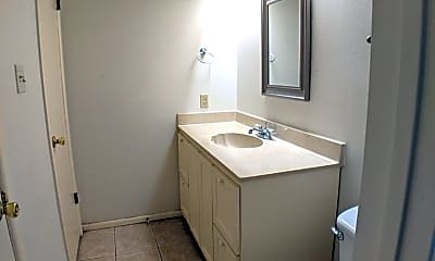 Bathroom, 5810 Masters Blvd, 2