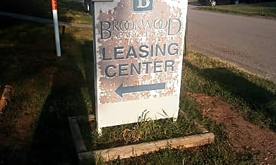 Brookwood Terrace, 1