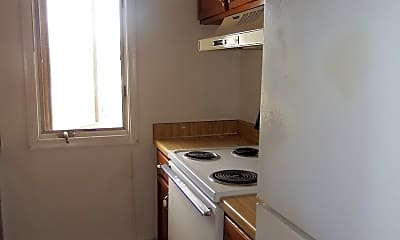 Kitchen, 499 Beaumont Ave, 2