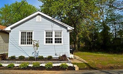 Building, 186 S Park Ave, 1