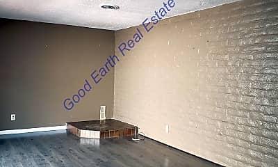 Living Room, 2908 Valle Vista, 1